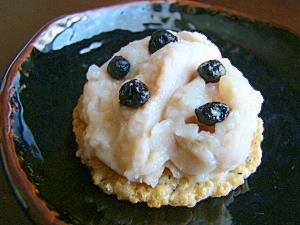 苺米ぷりんと米煎餅の米米カナッペ