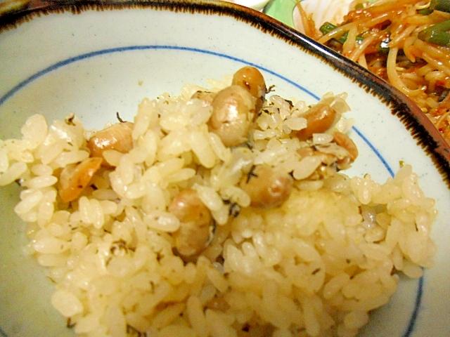 節分の豆で豆ご飯
