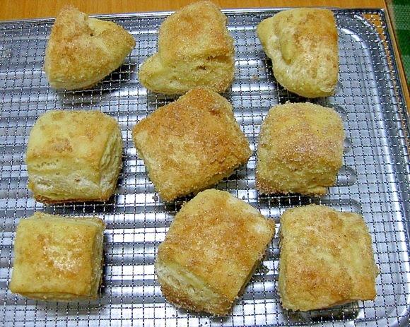 ホームベーカリーで作るクロナッツ風プチパン