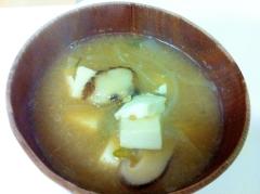 甘~い♪豆腐と玉ねぎのお味噌汁