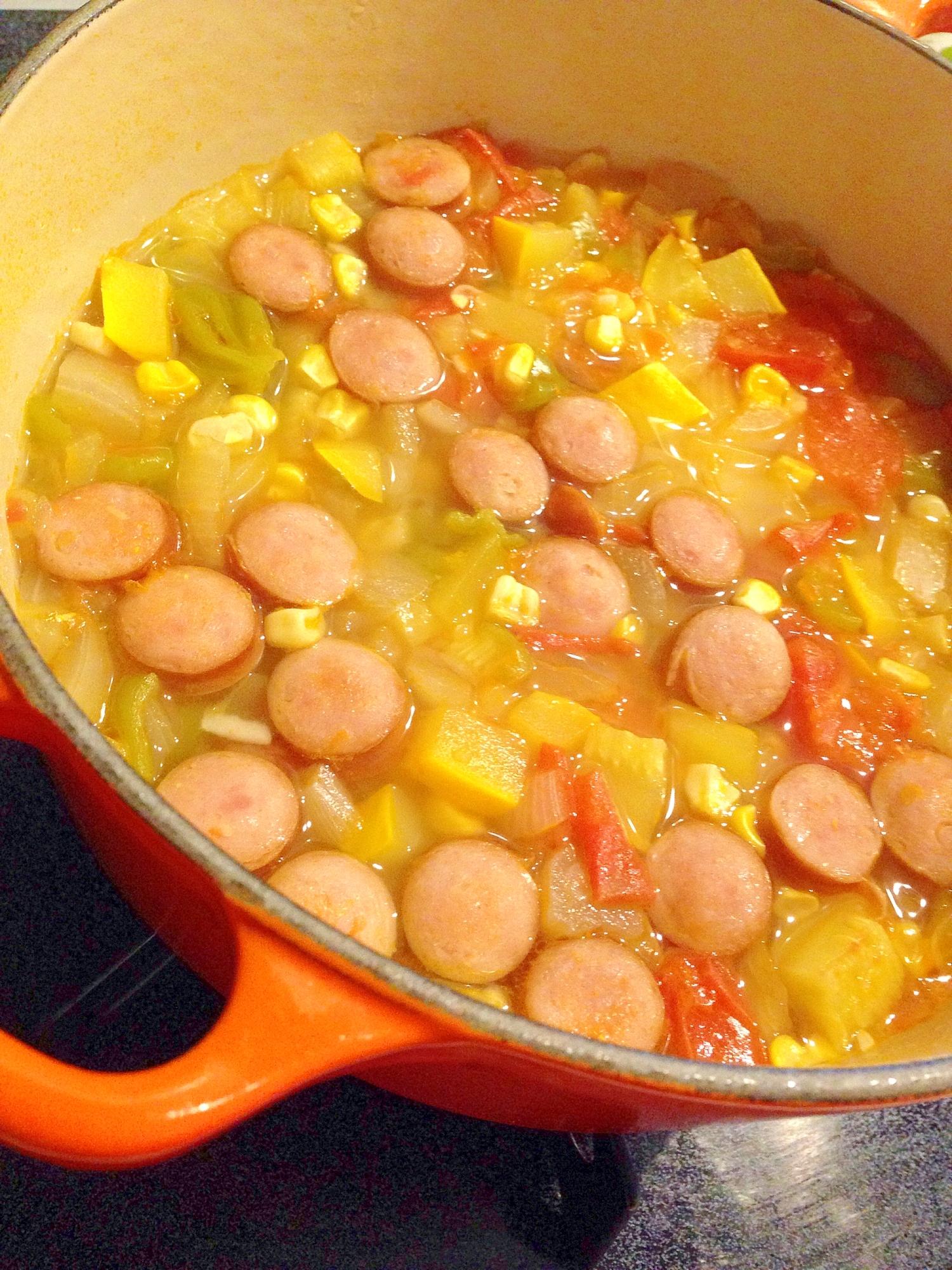 ルクルーゼで野菜の旨味たっぷりのコンソメスープ