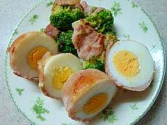 ゆで卵と冷凍ブロッコリーの肉巻き