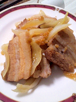 ボリューム満点♪豚かたまり肉のにんにく炒め