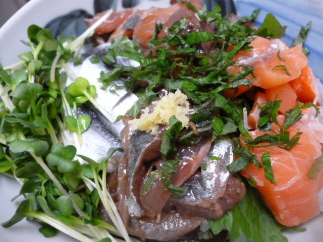 酢〆こはだ・鯵・鮭・ハマチの海鮮ちらし