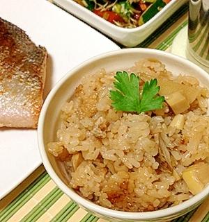 たっぷり竹の子炊いたんわけわけ炊くだけ竹の子ごはん