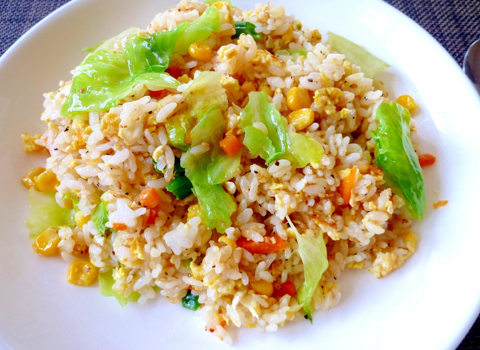 【春レタスのチャーハン】で簡単にお昼ご飯♪ レシピ・作り方 by マミイ4068|楽天レシピ