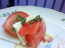 しそトマトとプロセスチーズのカプレーゼ風