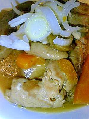 野菜いっぱい!もつ煮込み 20センチのルクルーゼ