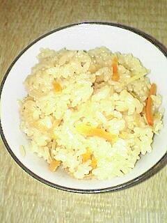収穫した新生姜と野菜たっぷり 炊き込みご飯です♪