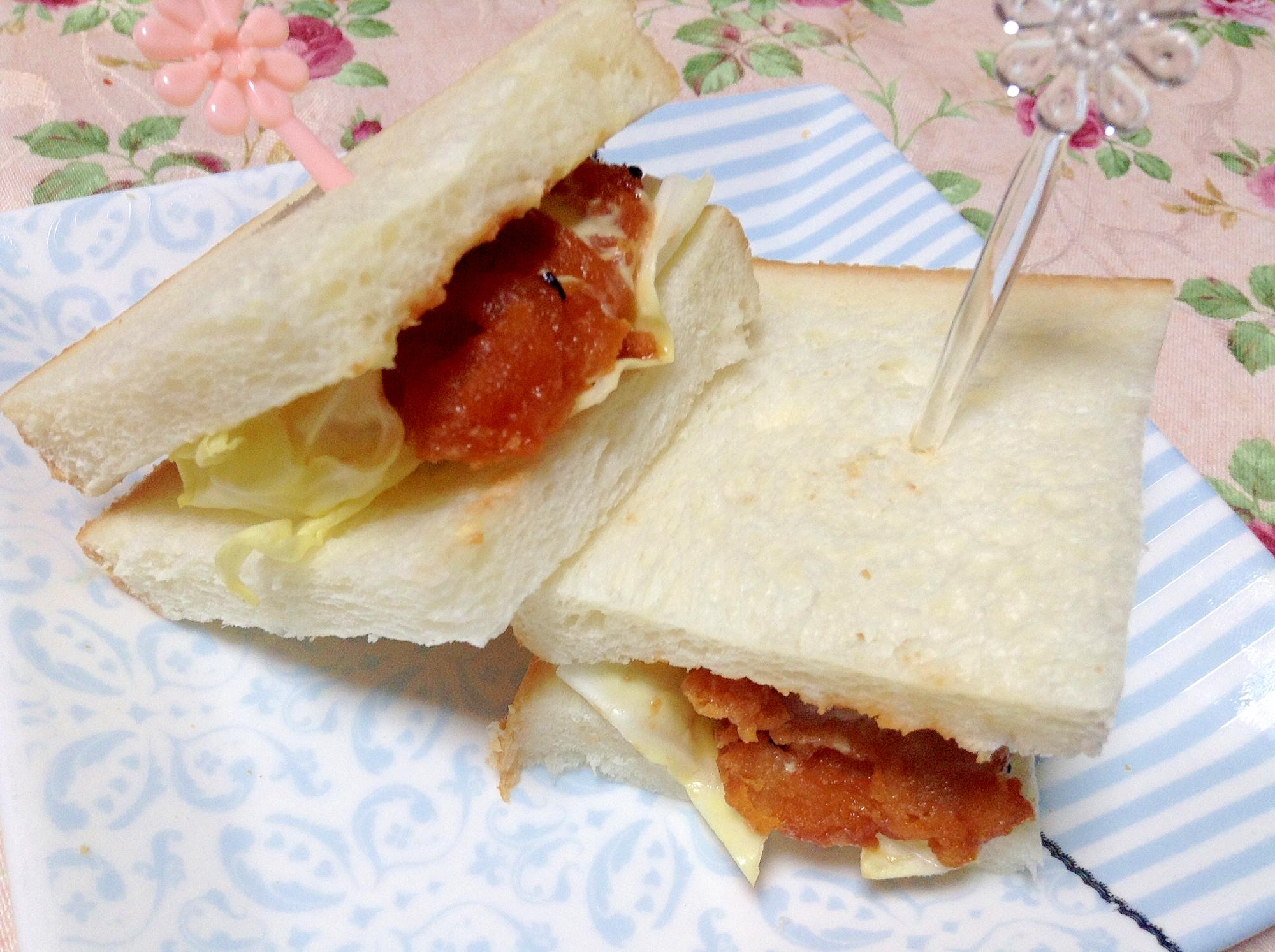 唐揚げリメイクトトマケチャ甘酢和えサンドイッチ