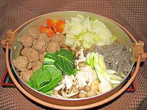 牛ひき肉団子のすき焼き