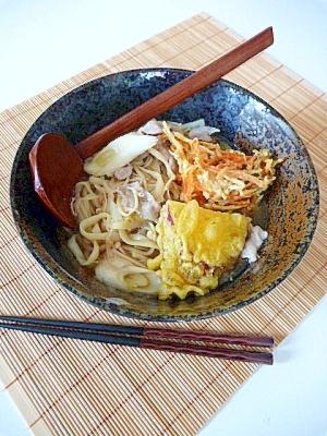 お惣菜の天ぷらを使って「肉きのこ煮込みうどん」