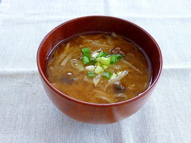 切干大根とむかごの味噌汁