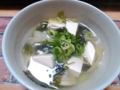 ★レタスと豆腐とわかめの簡単中華スープ★