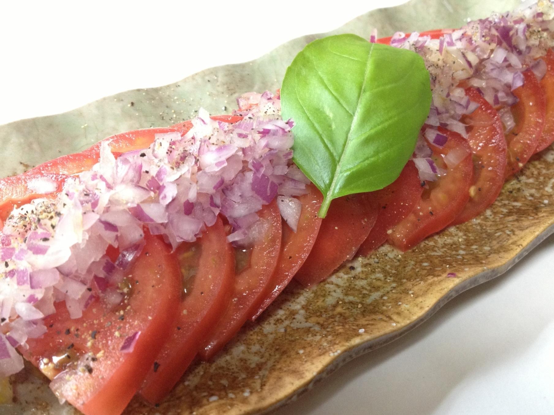 血液サラサラ!紫玉ねぎとトマトのさっぱりサラダ