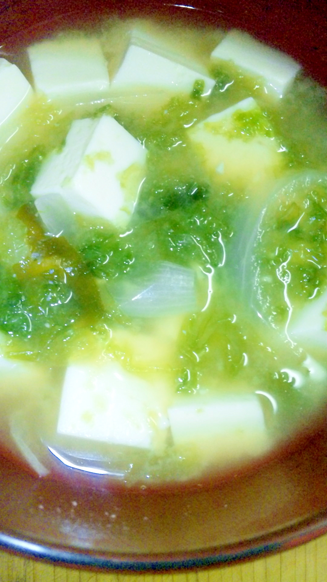 絹ごし豆腐とあおさ海苔のお味噌汁