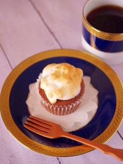 HMで簡単☆メレンゲのせココアカップケーキ