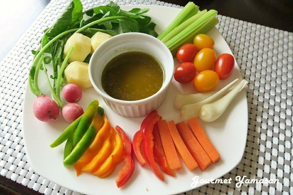 1.野菜をディップしよう♪バーニャカウダ