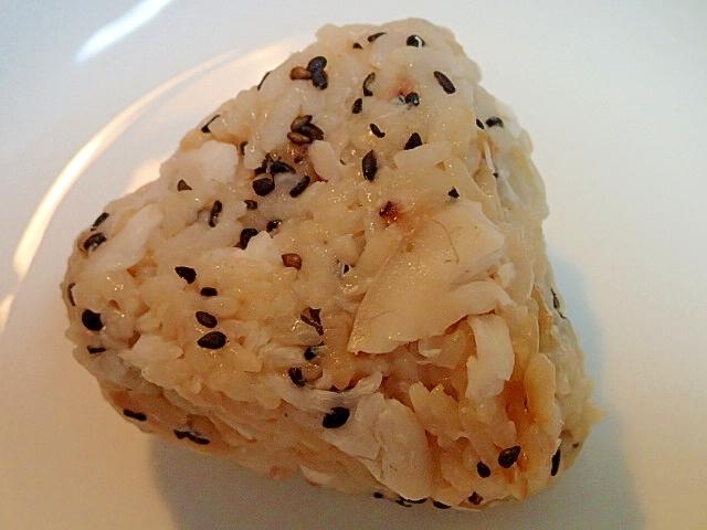 黒胡麻と生姜の鯛めしおにぎり