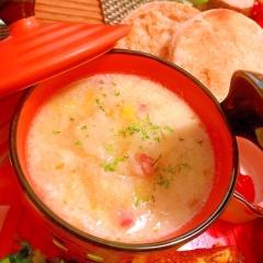白菜と林檎とベーコンの豆乳スープ