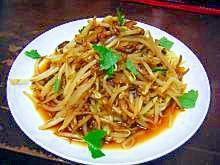 ひき肉ともやしのピリ辛麺