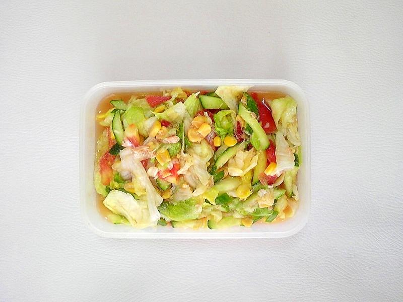 レタス、トマト、胡瓜の中華サラダ