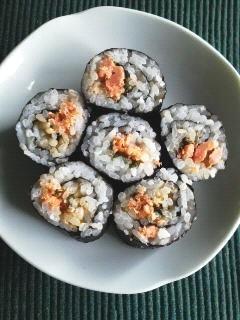 鮭と大葉にんにく醤油ののり巻き