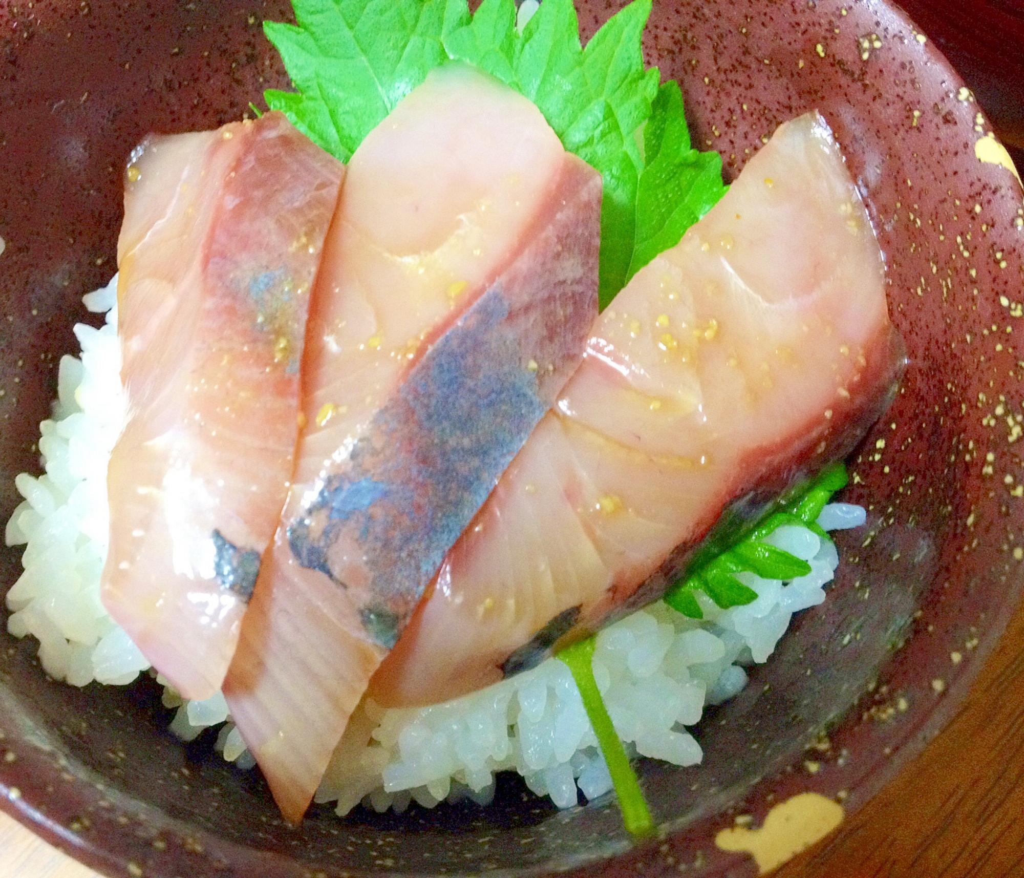 ハマチの海鮮丼