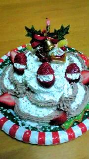 子供とデコクリスマスケーキ
