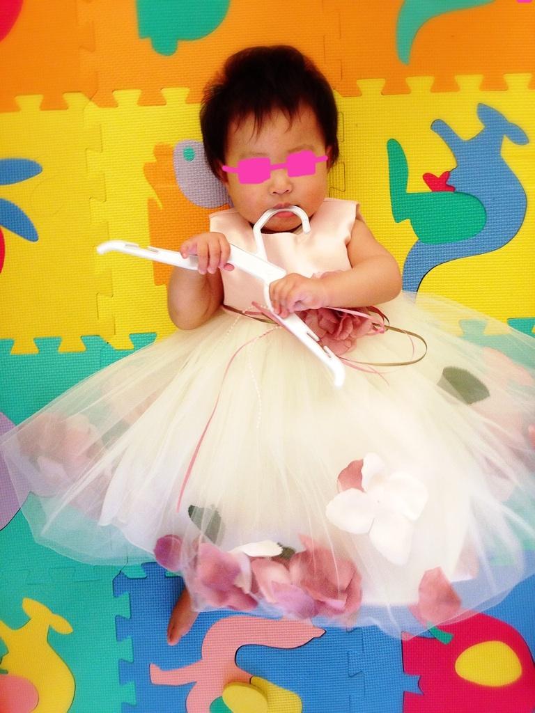 印象はとても可愛いく、フリフリというよりは少し大人なおしゃれイメージです♪訳ありの理由は見当たりませんでした! 1歳のお誕生日に着せるのが楽しみです♪♪