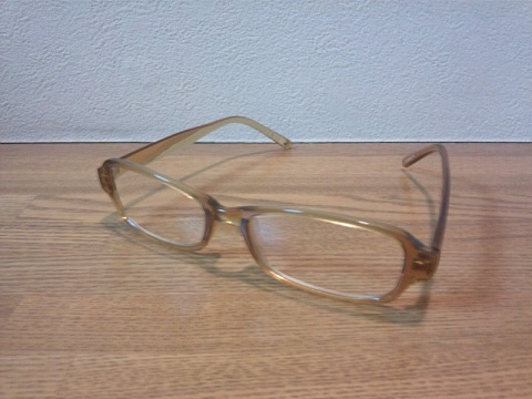 20120808用105円の老眼鏡その2.JPG