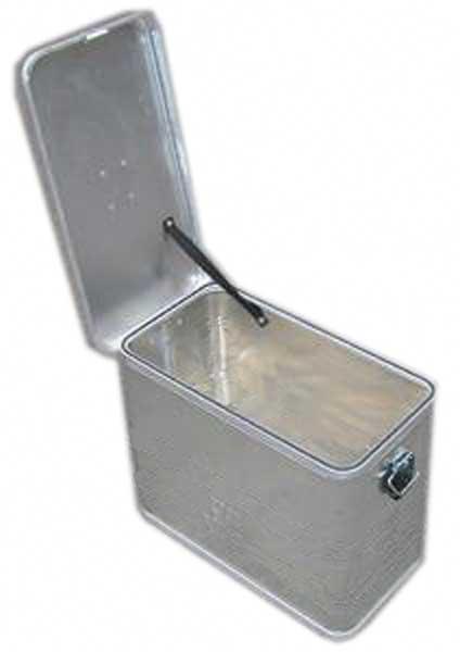 あと箱と箱の間に塩ビ板をかますことで上のイカの墨などから下のイカを守る! と結構画期的な2台目
