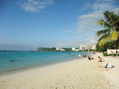 アメリカグアム『タモンビーチ』 名古屋天候は曇り グアム天候は曇りのち晴れ 会社の海外慰安旅行