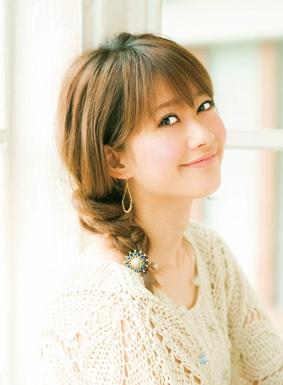 三つ編みを使ったアレンジってやっぱりかわいい♡. 出典image.space.rakuten.co.jp
