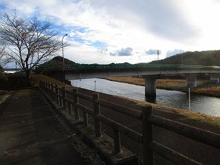 6宝見橋水辺公園.jpg