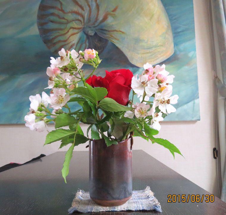 6/30庭のバラを活けてみた.jpg