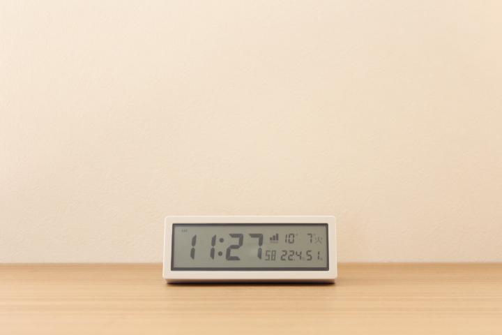 日めくりカレンダー 電波時計 デジタル時計 掛置時計 深澤直人 ±0 白 MUJI IDEEアクタス IKEA 北欧 置き時計 無印良品 大塚家具  ニトリ