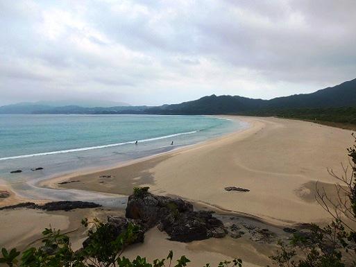 美しい砂浜へ.jpg