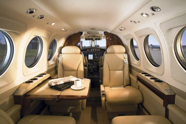 +Beechcraft KingA90-Interior.jpg