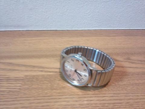20120926用ゴムの腕時計.JPG