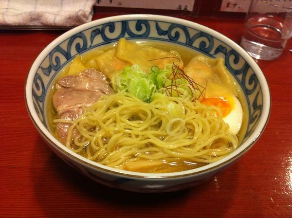麺屋 十郎兵衛 純和鶏塩ワンタンメン 麺