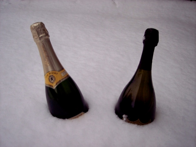 +0222 Champagne chilling in snow.jpg