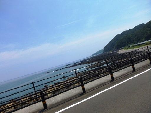 岩場の海岸.jpg
