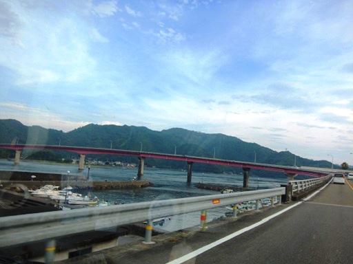 宇佐大橋を渡り.jpg