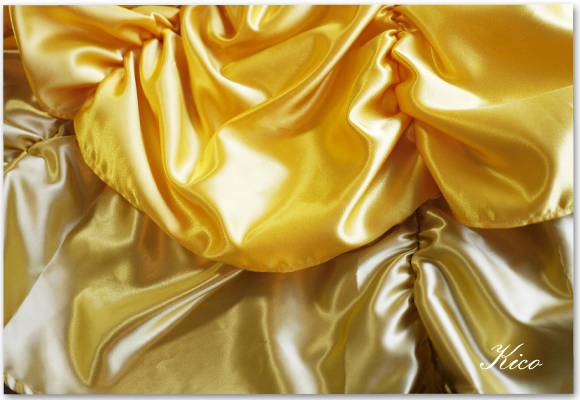 娘の熱烈なリクエストで美女と野獣のベルの黄色いドレスを制作中です♪