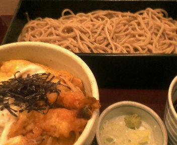 羽田空港国内線出発ターミナルで食べたそば