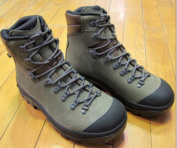 ... 登山靴のようなスマートさは