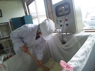2-米麹を取り出す.jpg