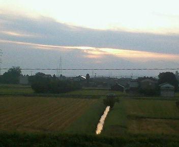 2012.9.22 秋分の日の日の出は雲に隠れて観測できませんでした
