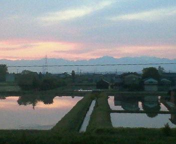 水田に写る立山連邦
